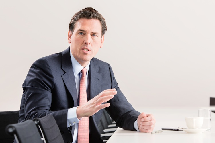 Warweg Tobias Interview-1 in HDI bringt Cyber-Versicherung