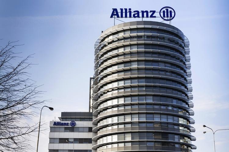 Im Vorjahreszeitraum hatte die Allianz von einer niedrigen Steuerquote und Aktienverkäufen profitiert.