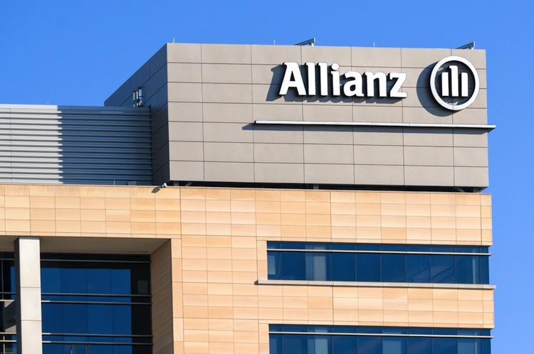 Konzernweit peilt die Allianz für 2017 weiterhin einen operativen Gewinn von 10,3 bis 11,3 Milliarden Euro an.