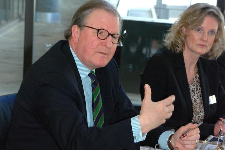 Ulrich Bernd Wolff Von Der Sahl in Unwetter drücken den Gewinn der Sparkassenversicherung