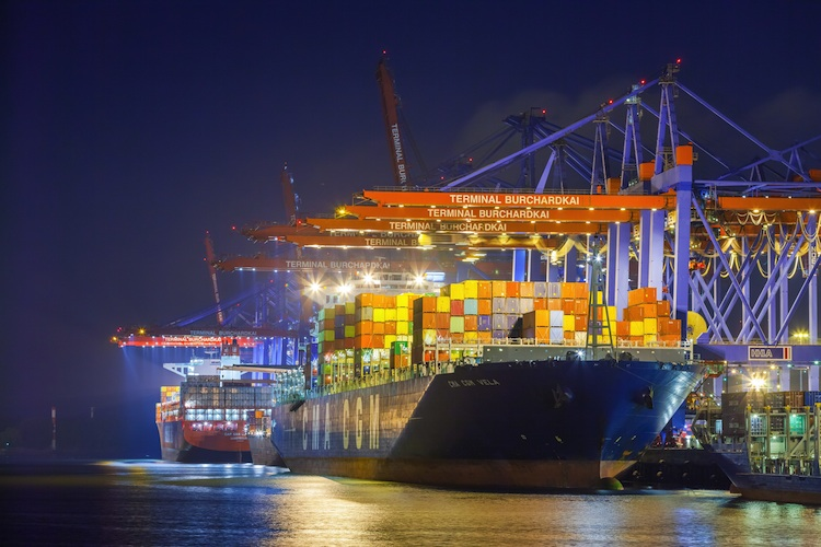 Container-Schiff im Hamburger Hafen: Die deutschen Ausfuhren kletterten im März 2017 auf den höchsten Monatswert seit 1950.