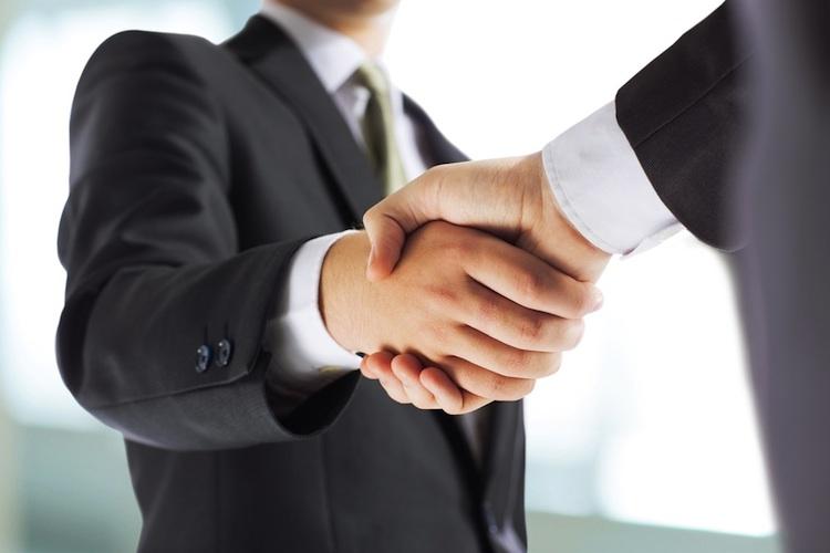 Handshake Shutt 381129667 in Immofinanz verkauft CA-Immo-Paket an Starwood