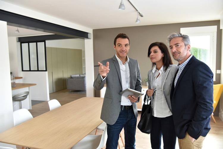 Immobilienmakler-shutt 405234832 in Wüstenrot Immobilien steigert Vermittlungsergebnis um 20 Prozent