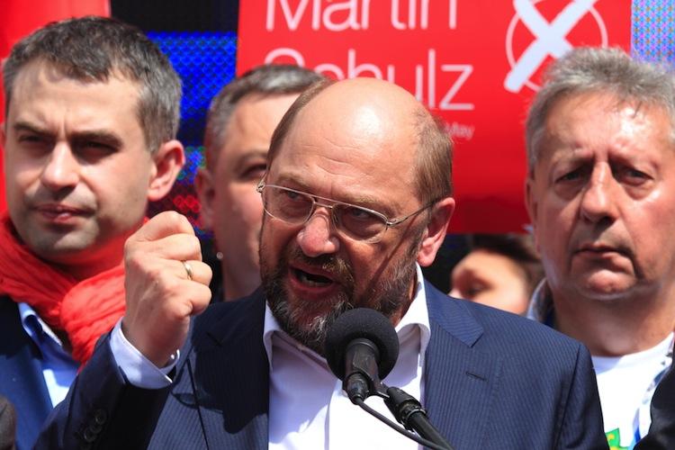 Shutterstock 190415234 in Schulz stellt SPD-Rentenkonzept vor