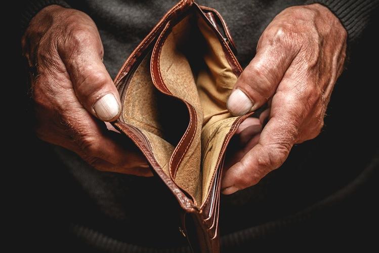 Shutterstock 439390204 in Rentenkasse mit 2,2 Milliarden Euro Minus