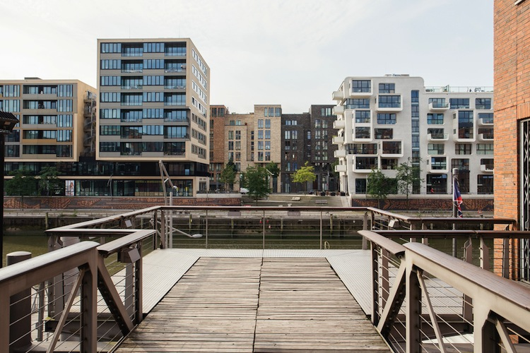 Shutterstock 495952975 in Deutsche Bank sieht erhöhte Risiken für den deutschen Immobilienmarkt