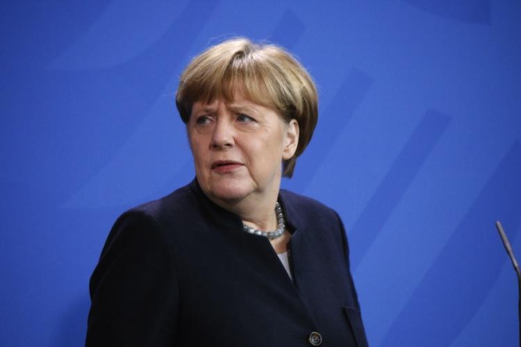 Shutterstock 598691486 in Stabil aufgestellt: Merkel will keine Rentenreform