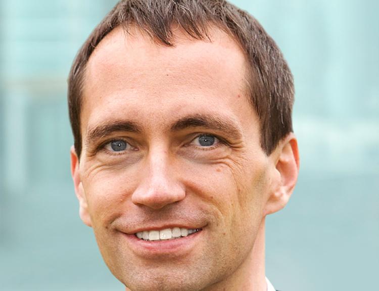 Dr-Clemens-Muth-300dpi in Ergo und IBM kooperieren