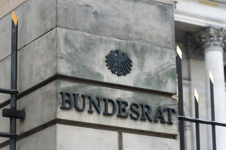 Shutterstock 562621216 in bAV-Reform: Bundesrat gibt grünes Licht