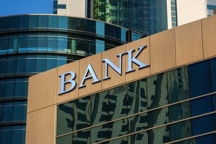 Banken-Umfrage: Erosion der traditionellen Ertragsbasis