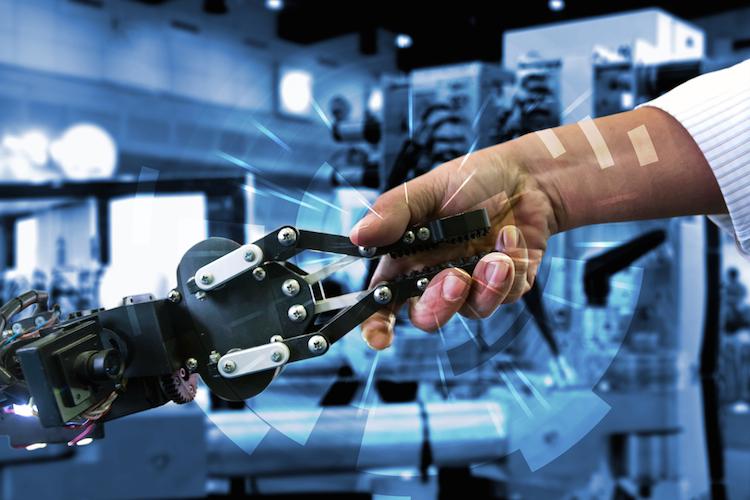 Industrie-4 0-digitalisierung-immobilien-produktion-roboter-hand-unternehmen-digitalisierung-internet-of-things-iot-gewerbe-produktion-maschine-shutterstock 478206340 in Ein Weiter so wird es nicht geben