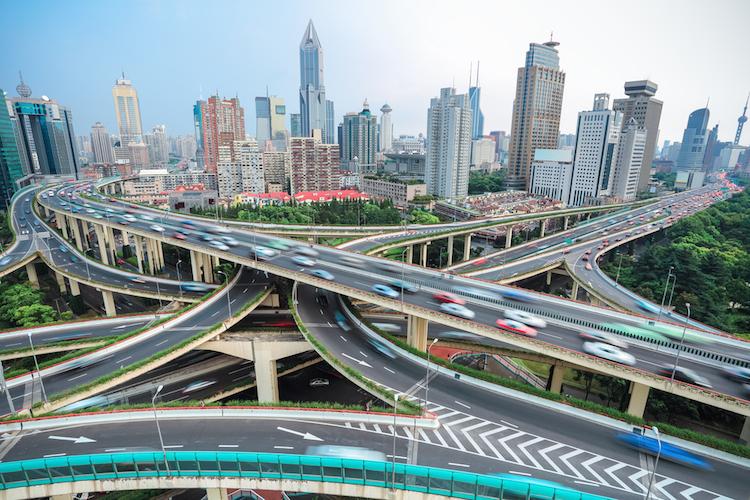 Shanghai-kreuzung-stra E-infrastruktur-china-asien-shutterstock 166309580 in Asiatische Renten: Warum sich die Investition lohnt