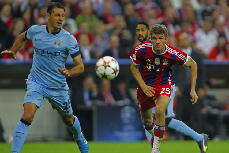 Shutterstock 361329170 in Tendenziell höhere Versicherungssummen für Fußballprofis