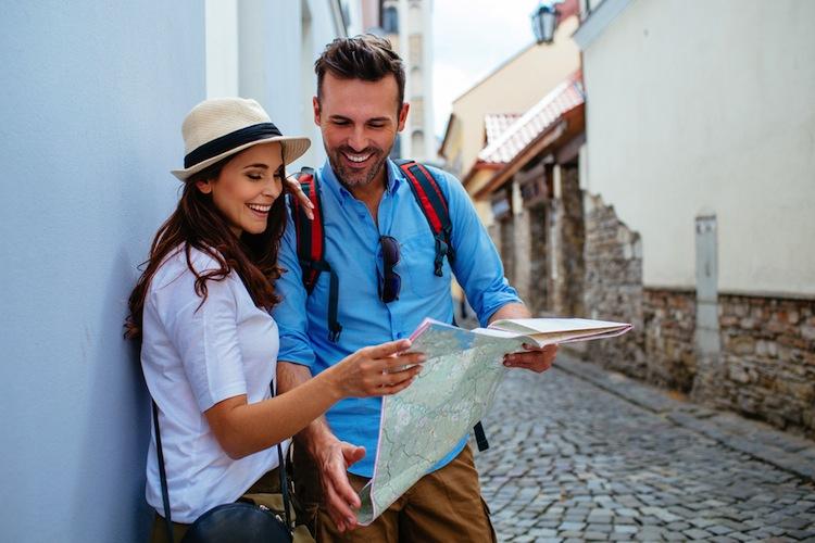 Shutterstock 400245520 in Nur jeder zweite Deutsche hat Versicherungsschutz im Ausland