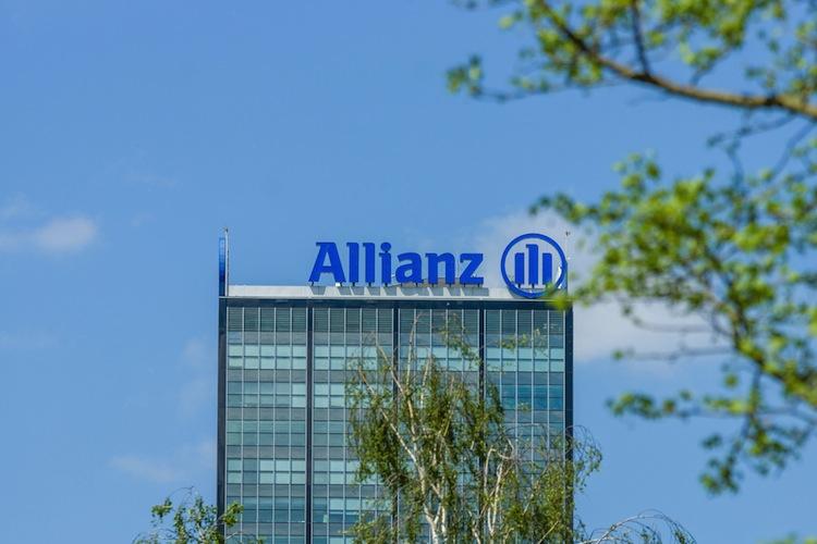Shutterstock 427487854 in Allianz steigt bei britischem Versicherer ein
