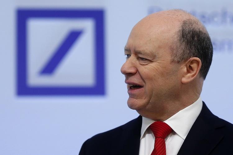 John-Cryan-Deutsche-Bank-pa-90182906 in Deutsche Bank Vorstände verzichten auf Boni