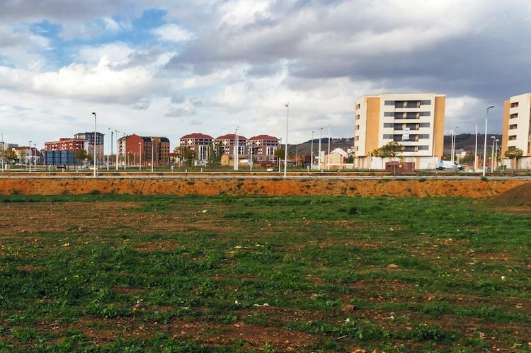 Grundstueck-flaeche-wohnungsbau-shutt 366610121 in Baulandaktivierung als Schlüssel zu mehr bezahlbarem Wohnraum