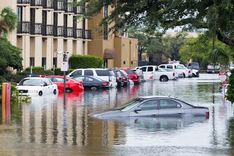 Shutterstock 703954321 in Hochwasser waren 2016 besonders teuer
