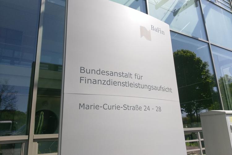 BaFin-Shutterstock in BaFin stoppt unerlaubte Anlageverwaltung aus dem Ausland