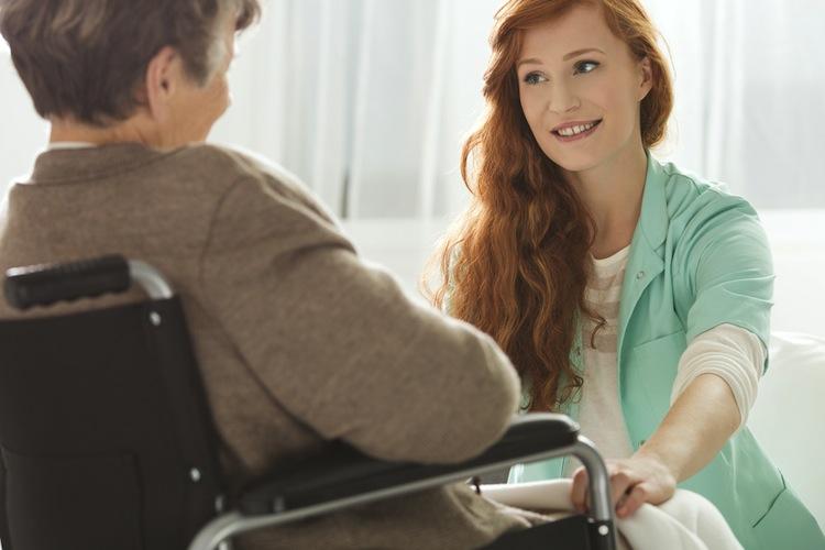 Shutterstock 558692338 in Zahl der Pflegekräfte in Krankenhäusern sinkt