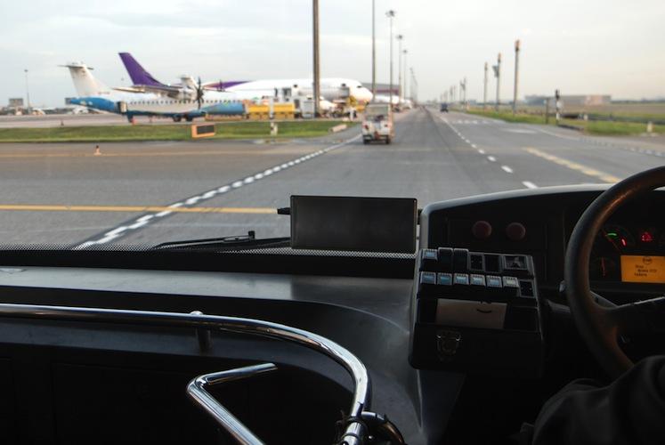 Shutterstock 561945607 in R+V stellt Forschungsprojekt zu fahrerlosen Shuttle-Bussen vor