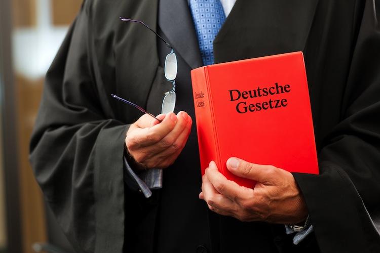Shutterstock 85839613 in Streit um Namensrecht: Die Bayerische siegt vor Gericht