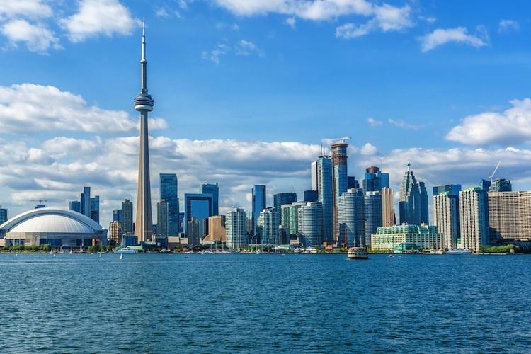 Toronto-kanada-shutt 457028863 in Weltweite Wohnimmobilienpreise: Wachstum verlangsamt sich