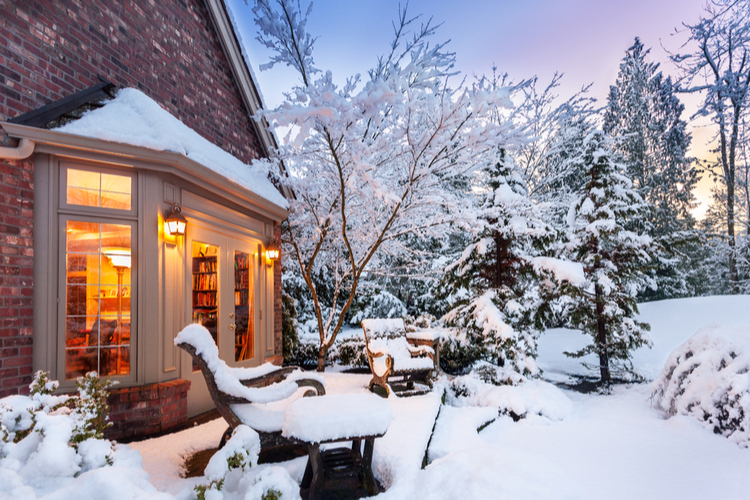 Wohneigentum: Die wichtigsten Versicherungen im Winter