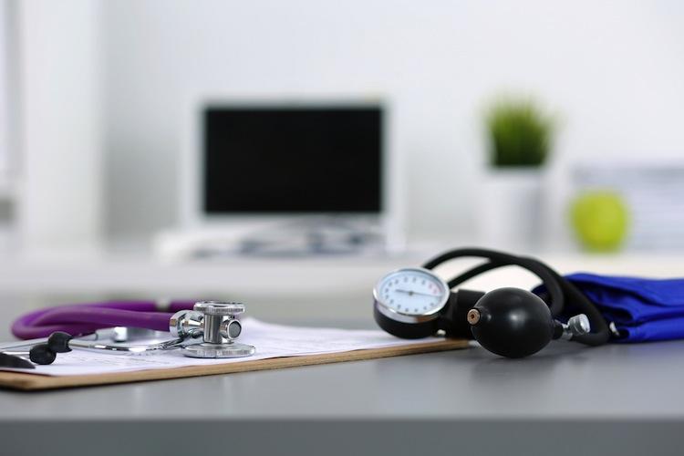 Shutterstock 304857650 in Patienten sollen auf Videosprechstunde bestehen