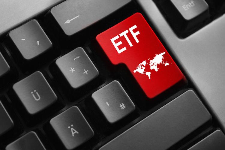 ETF-weltweit-global-shutterstock 557751157 in Studie: Starkes ETF-Wachstum für aktive Strategien und ESG