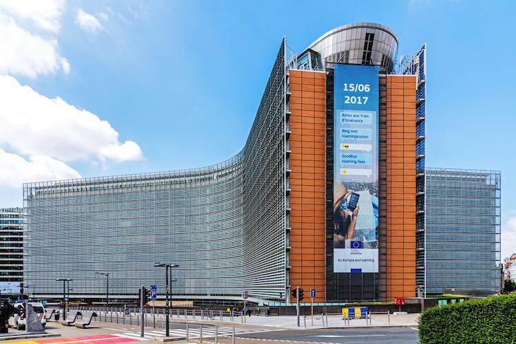 EU-Kommission-Berlaymont-Gebaeude-shutterstock 664852705 in Weniger Bürokratieaufwand für kleine Wertpapierfirmen