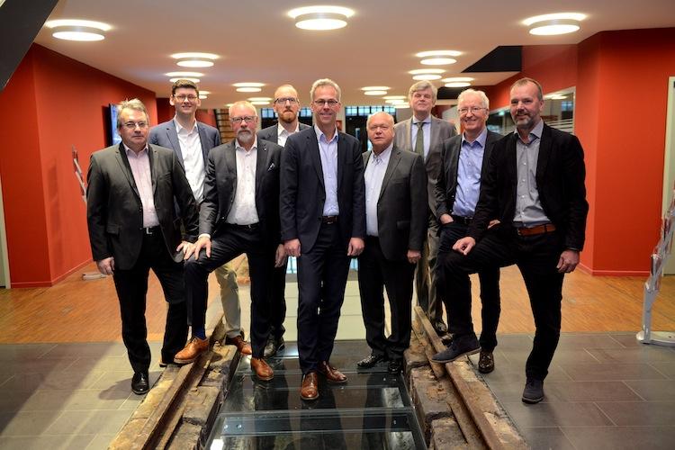 Gruppe in f-fex-Gründungsteam stockt Kapital auf