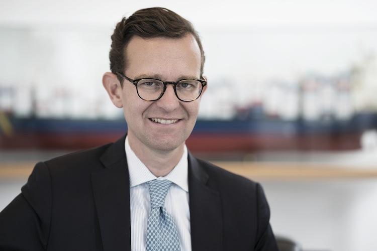 Der neue Vorstandschef kündigte an, Lloyd Fonds in Zukunft auf Basis der Kernkompetenzen in den Bereichen Schifffahrt, Immobilien und Logistik weiterentwickeln und modernisieren zu wollen: