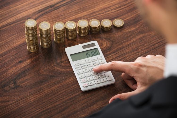 Geld-rechner-rendite-zins-shutterstock in Kanam Grundinvest Fonds schüttet 206 Millionen Euro an Anleger aus