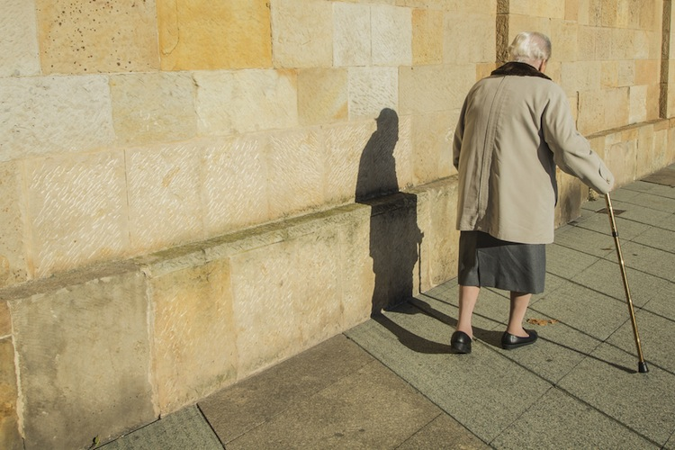 Shutterstock 166766153 in OECD sieht Frauen im Renten-Nachteil