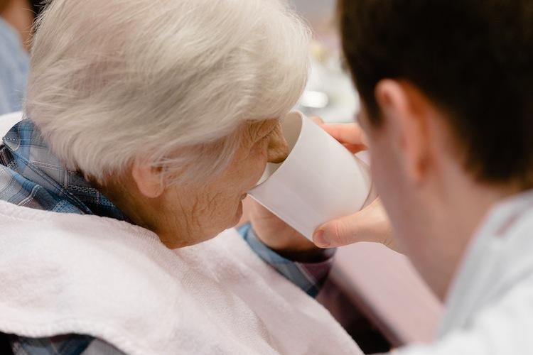 98051178 in Gesundheitsvorsorge kommt in häuslicher Pflege zu kurz