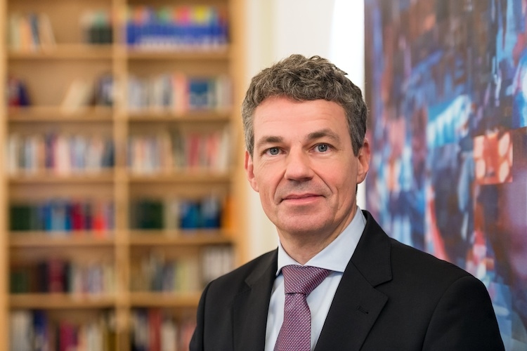 Verwaltungsgericht verbietet Vermittlern direkte Provisionsabgabe!
