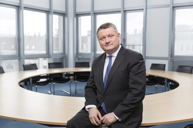 Hermann Groehe in Gröhe: Keine Zwangsvereinigung der Krankenversicherung