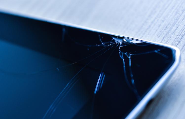 Tablet in Leistungs-Update für Privathaftpflichtangebot der Prokundo