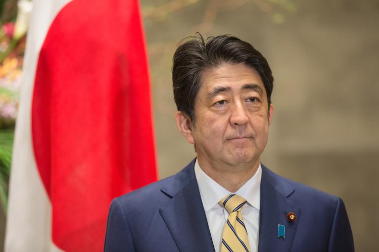 Abe-shinzo-japan-premierminister-shutterstock 401824951 in Japan: Die drei wichtigsten Trends