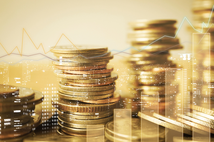 Geld-wachstum-wirtschaft-shutterstock 530884792 in Schwung von 2017 wirkt auch in 2018