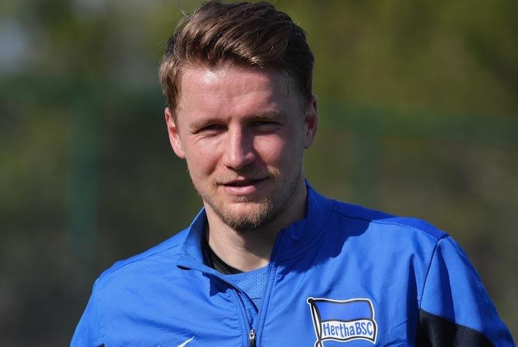 45393546 in Wegen Schiffsfonds: Ex-Fußballprofi verklagt Steueranwalt