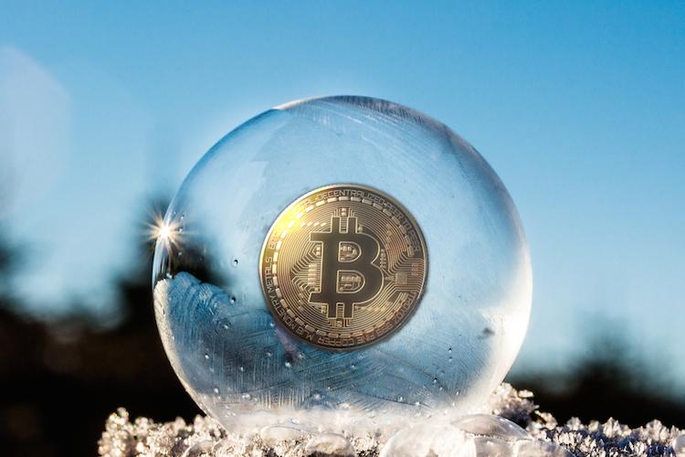 Bitcoin-krypto-crypto-blase-bubble-shutterstock 771208276 in S&P: Kryptowährungen bedrohen Finanzstabilität nicht