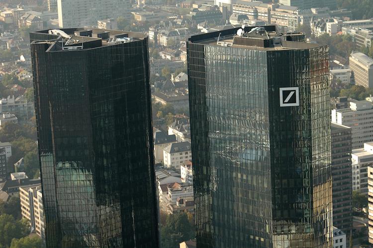 Deutsche-bank-frankfurt-taunusanlage-shutterstock 163149458 in Libor-Skandal: Deutsche Bank zahlt 240 Millionen US-Dollar