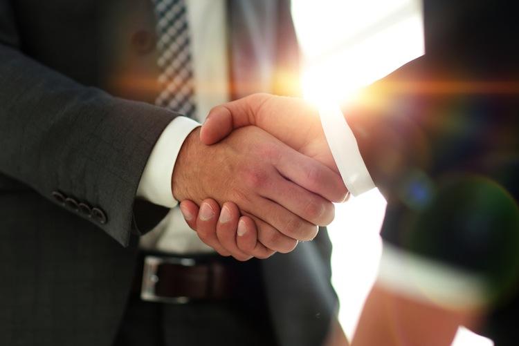 Shutterstock 1027597237 in Jeder fünfte Finanzdienstleister möchte mit Wettbewerbern kooperieren