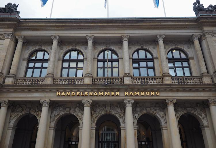 Handelskammer-HH in Treffen der Insurtechs in der Hamburger Handelskammer