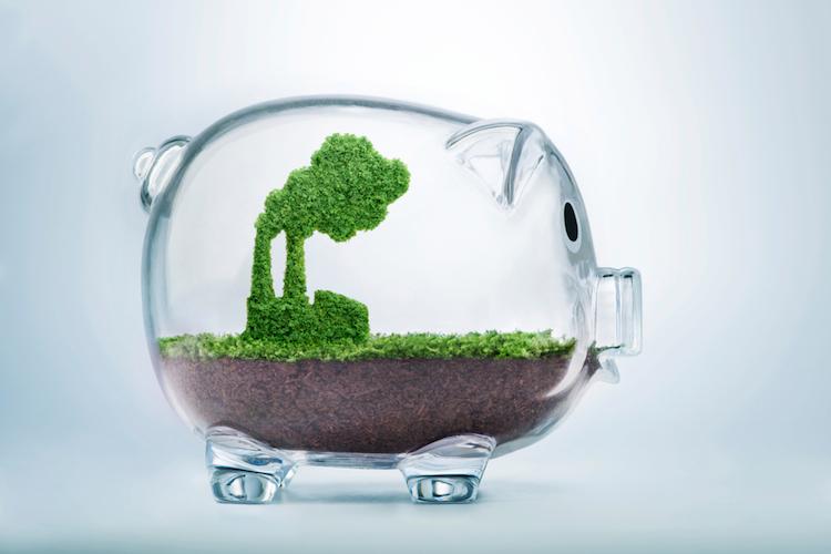 Energie-umwelt-sparschwein-gruen-shutterstock 772691674 in Unternehmen verstärken ESG-Richtlinien