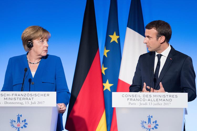 Merkel-macron-europa-deutschland-frankreich-shutterstock 683014222 in Frankreich treibt deutsch-französische Eurozonen-Initiative