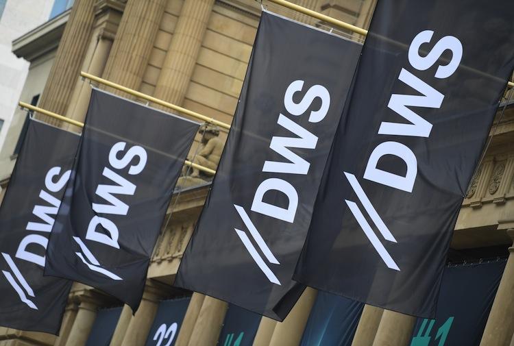 101001080 in Deutsche Bank nimmt weniger Geld ein mit DWS-Börsengang