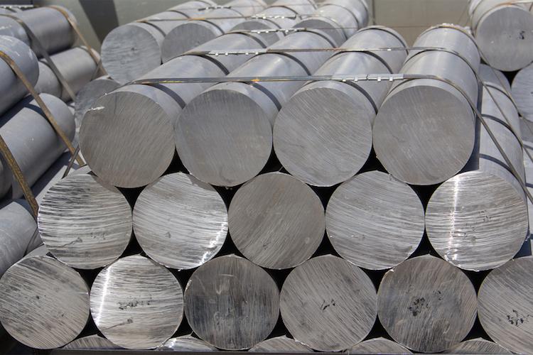 Aluminium-us-zoelle-shutterstock 431346298 in Handelsstreit: EU wendet sich an Welthandelsorganisation